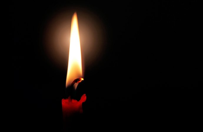Co warto wiedzieć o parafinie i knotach do świec?
